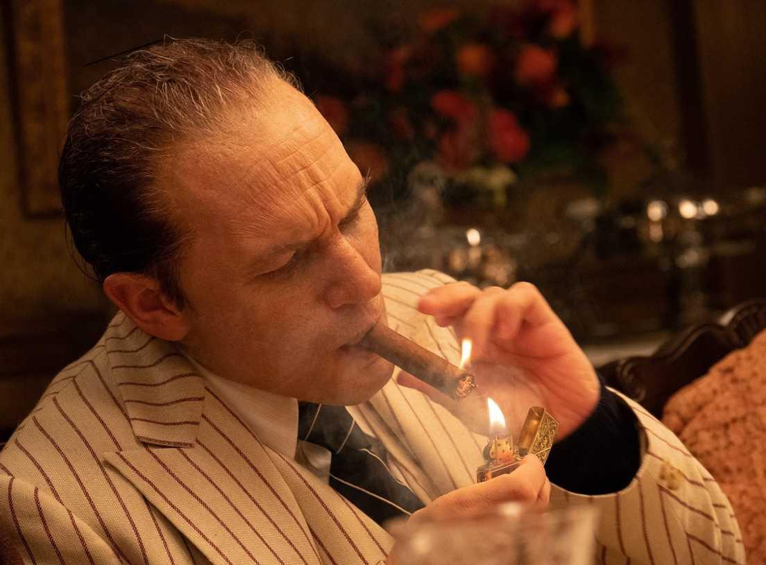 KAPONĖ (Capone)